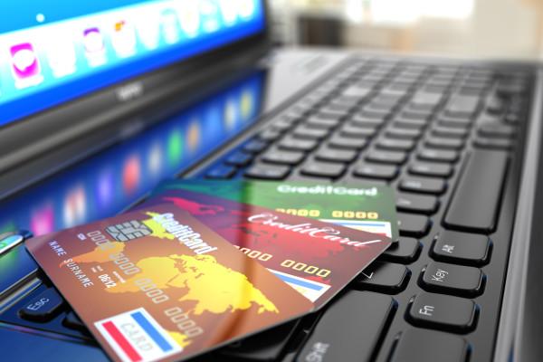Где выгоднее покупать экскурсии: онлайн vs офлайн  – фото для каталога