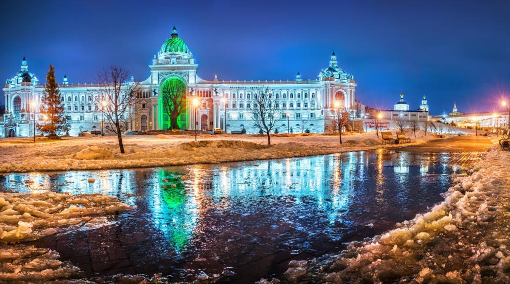 «Новогодние Огни» - автобусная экскурсия по Ёлкам Казани  - фото №1