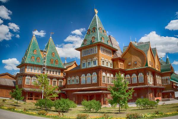 Экскурсия в царскую резиденцию – Коломенское