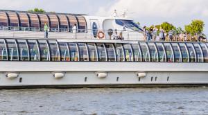 Круиз в Кронштадт на яхте Рэдиссон - уменьшенная копия фото №3