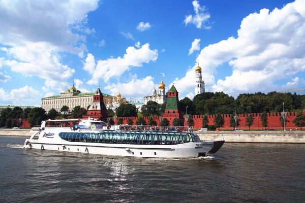 Круиз на яхте Рэдиссон от парка Горького