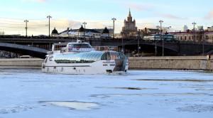 Прогулка по Москве-реке на яхтах Рэдиссон от гостиницы Украина - уменьшенная копия фото №0