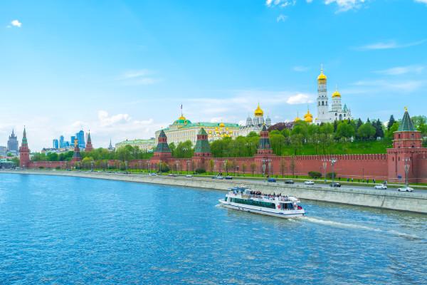 Водная прогулка по центру Москвы - билет на весь день