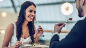Просмотр салюта 9 мая на VIP теплоходе «Ривьера» с ужином на борту и дискотекой - уменьшенная копия фото №4