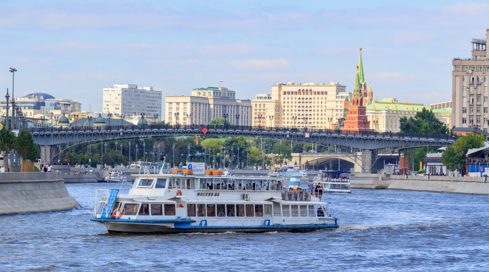 Водная прогулка по центру Москвы на комфортабельном теплоходе - фото №1