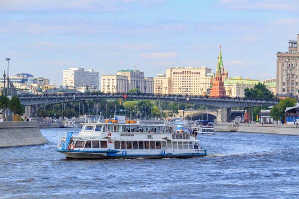 Обзорная водная экскурсия по Москве-реке фото