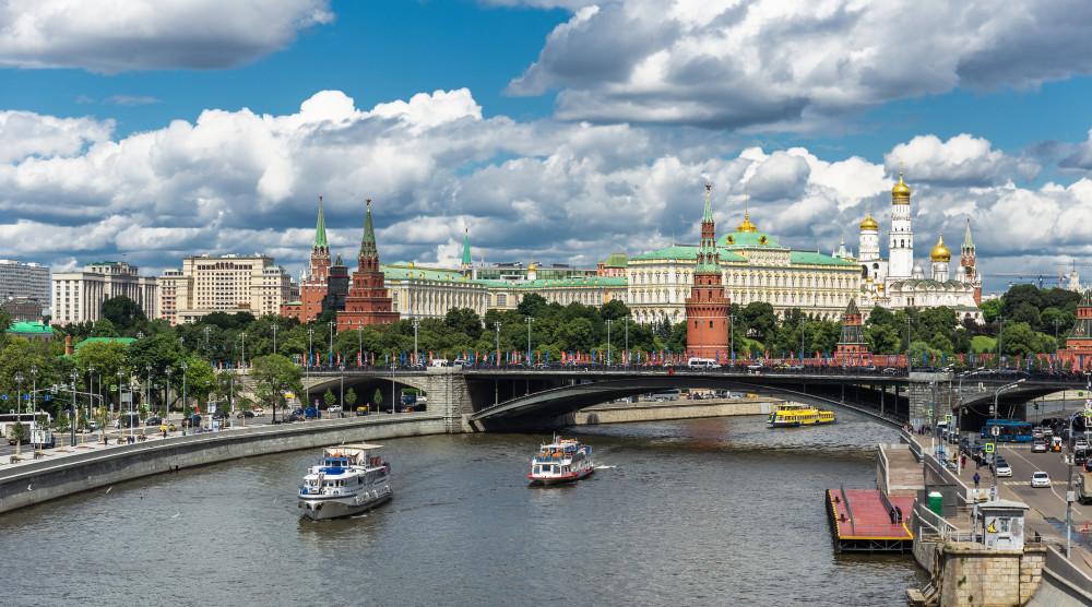 Водная прогулка на теплоходе от причала «Большой Устьинский мост»  - фото №1