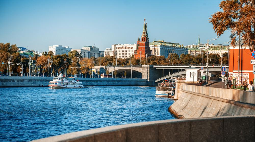 Обзорная водная экскурсия по Москве-реке - фото №1