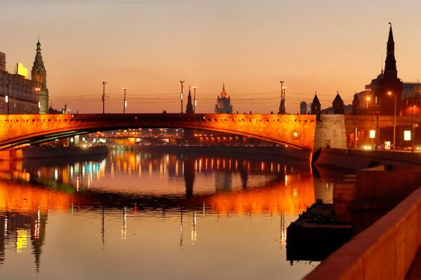 Романтика речной Москвы - романтический ужин на борту теплохода  – фото для каталога