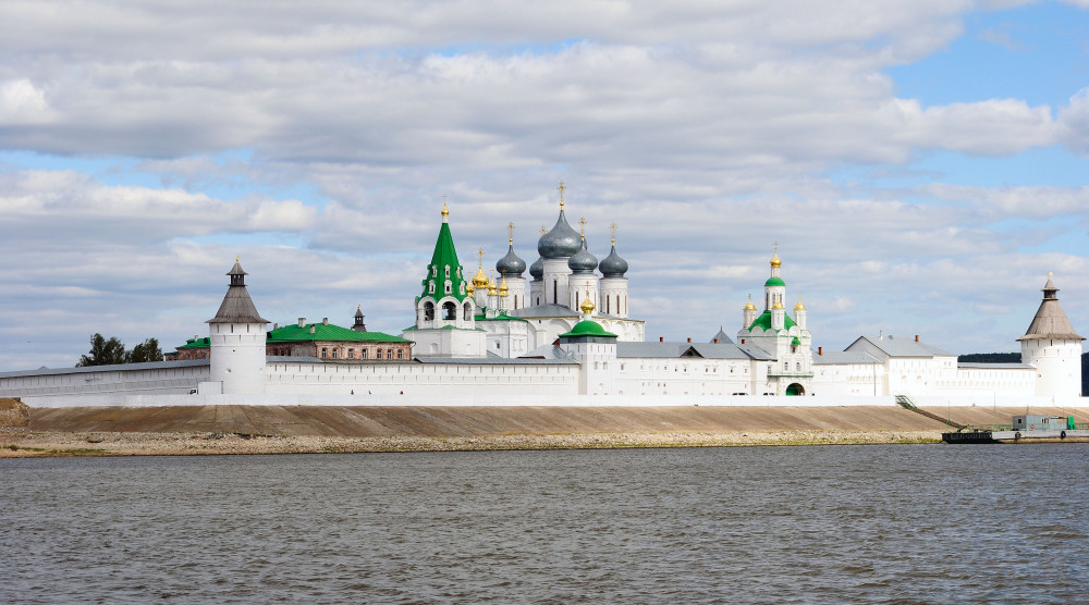 Экскурсия в Макарьевский монастырь на прогулочном теплоходе - фото №1
