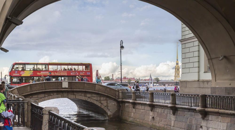 «CITY SIGHTSEEING» - экскурсия по Санкт-Петербургу на красном двухэтажном автобусе - фото №1