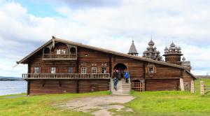 Дом Ошевнева на острове Кижи - уменьшенная копия фото №2