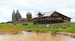 Дом Ошевнева на острове Кижи - уменьшенная копия фото №5