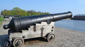 Экскурсия в Кронштадт с посещением Морского собора и водной прогулкой вдоль фортов - уменьшенная копия фото №1