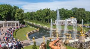 «Царство фонтанов» - экскурсия в Петергоф на метеоре - уменьшенная копия фото №2