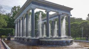 «Царство фонтанов» - экскурсия в Петергоф на метеоре - уменьшенная копия фото №12