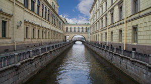 «Мифы и легенды Петербурга» - экскурсия по рекам и каналам - уменьшенная копия фото №1