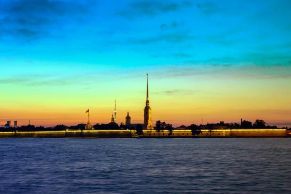 Ночной Петербург - экскурсия на автобусе и прогулка по Неве  – фото для каталога