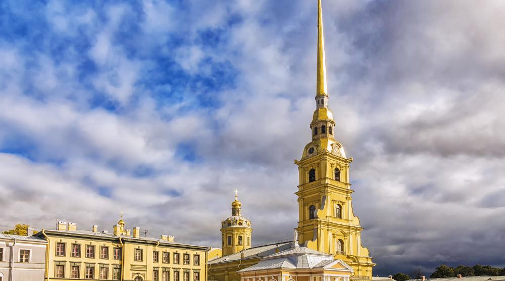 «Богатство Российской империи» - тур на 3 дня в Петербург с обзорной экскурсией, поездкой в Петергоф и Пушкин - фото №1
