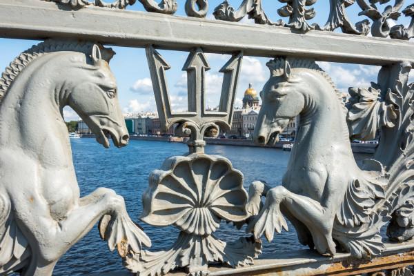 Кони мчатся над Невой - автобусная экскурсия по Санкт-Петербургу