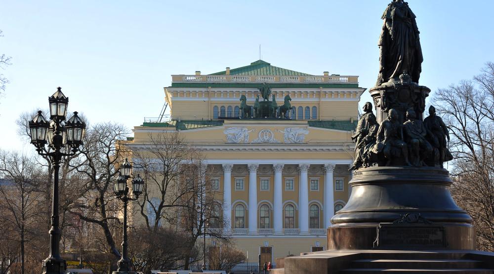 Автобусная экскурсия «Блистательный Петербург Екатерины Великой» - фото №1