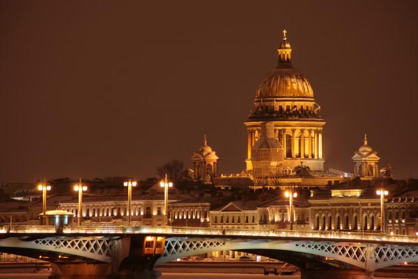 «На встречу к Северной Столице» - семидневный эконом-тур