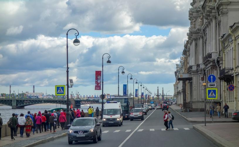 Почему нужно начать с обзорной экскурсии по Санкт-Петербургу?