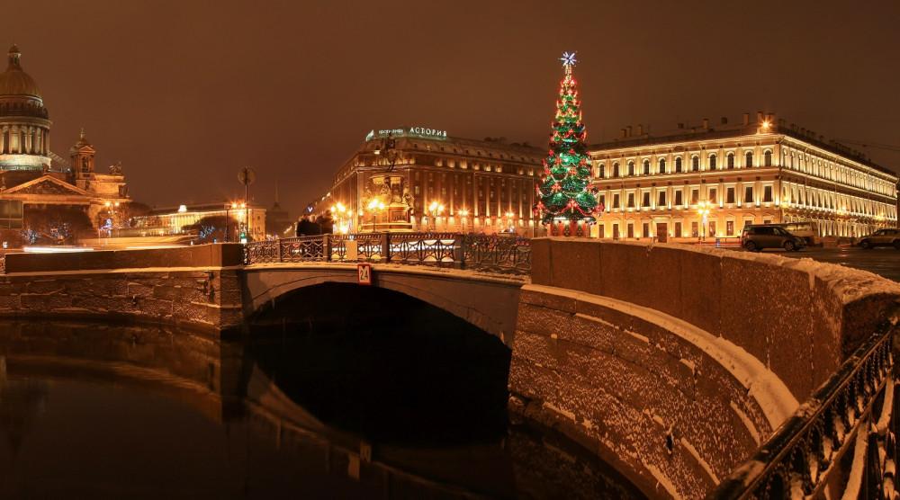 Новый год в Северной столице (комфорт) - 3-х дневный тур с новогодним ужином, экскурсией по городу и в Пушкин - фото №1