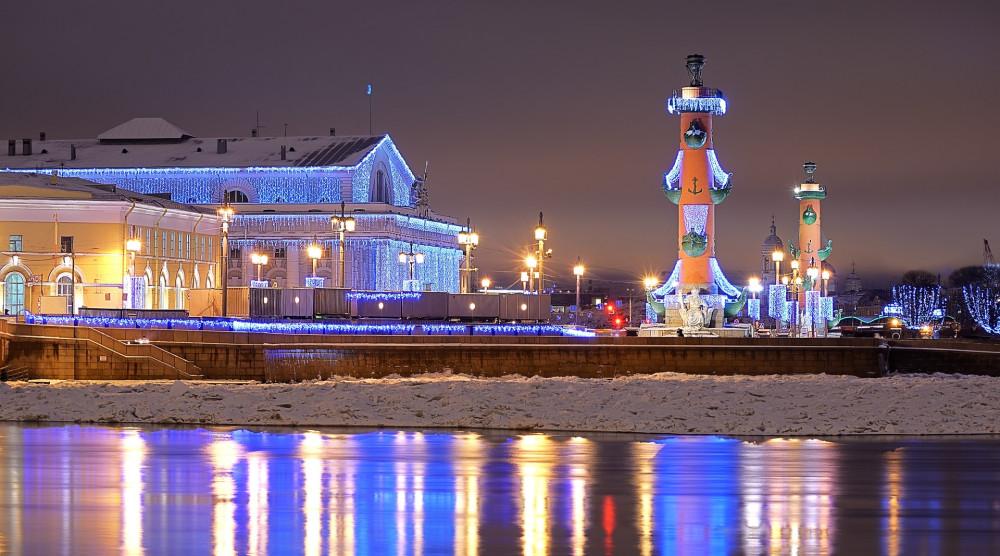 Новый год в Северной столице (комфорт) - 3-х дневный тур с новогодним ужином, экскурсией по городу и в Пушкин - фото