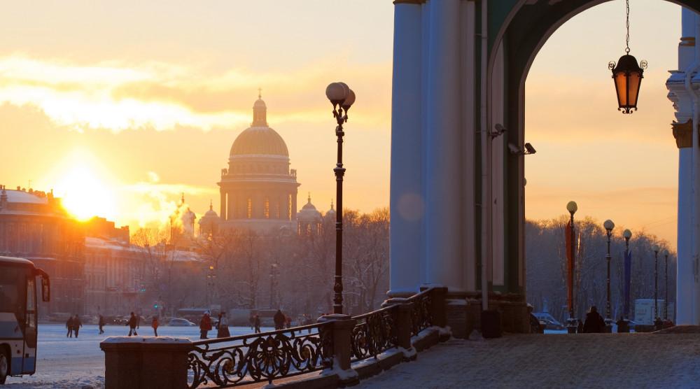 Трехдневный экскурсионный тур по Санкт-Петербургу «Романтика новогоднего Петербурга» - фото №1