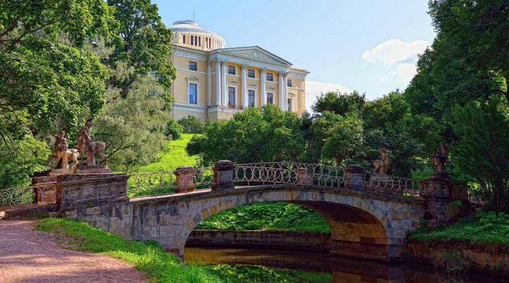 Экскурсия в Павловск с посещением Павловского дворца и парка - фото №1