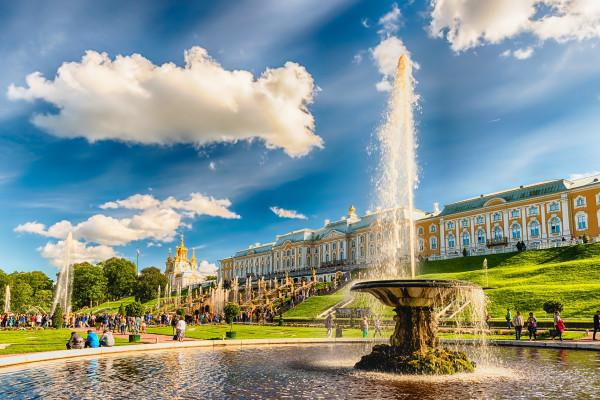Петергоф (Малый музей и фонтаны) - автобусная экскурсия  – фото для каталога