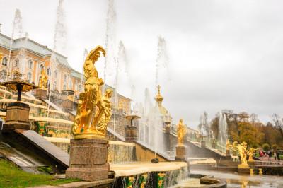 Фонтаны Нижнего парка  – фото достопримечательности вы увидите на экскурсии