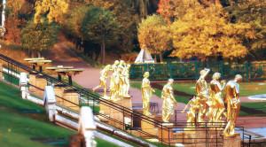 Экскурсия в Петергоф на английском языке с посещением Большого дворца и фонтанов - уменьшенная копия фото №1