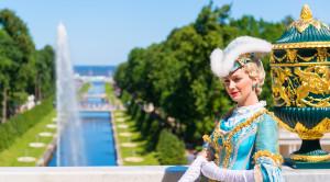 Экскурсия в Петергоф с посещением Малого музея и фонтанов Нижнего парка - уменьшенная копия фото №4