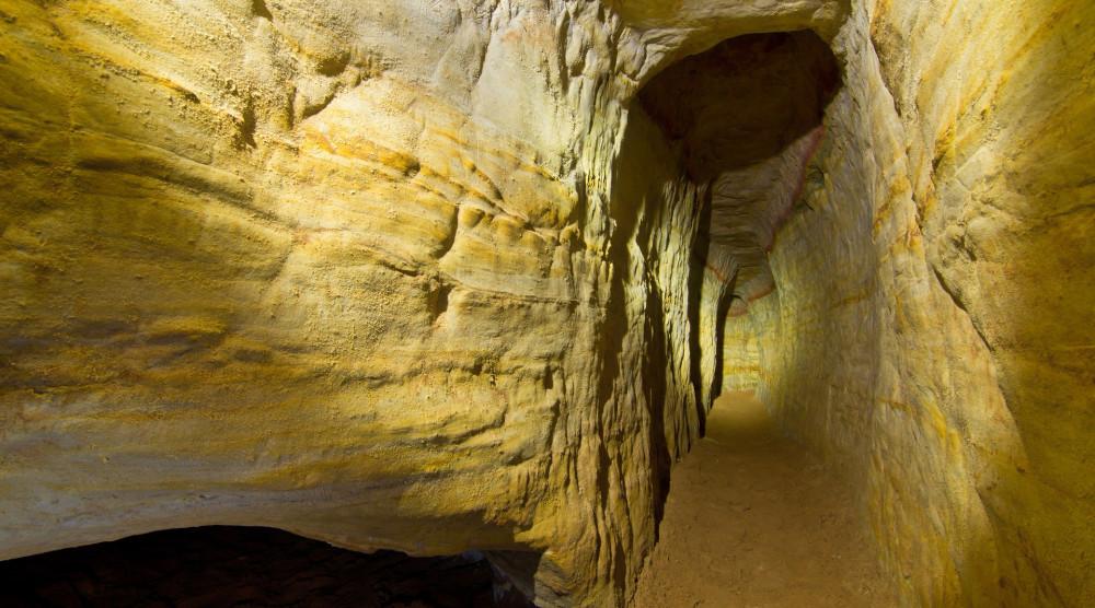 Экскурсии в Саблино с посещением Саблинских пещер - фото №1