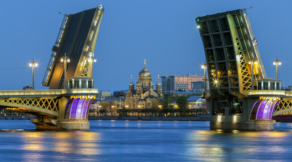 «Ночной круиз-концерт» - музыкальная водная прогулка по Неве под разводку мостов - фото №1