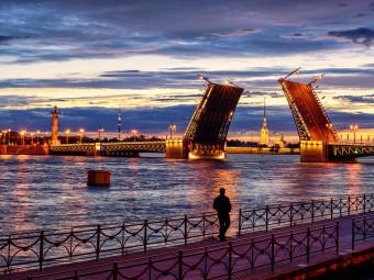 Джаз под разводными мостами - музыкальная водная прогулка
