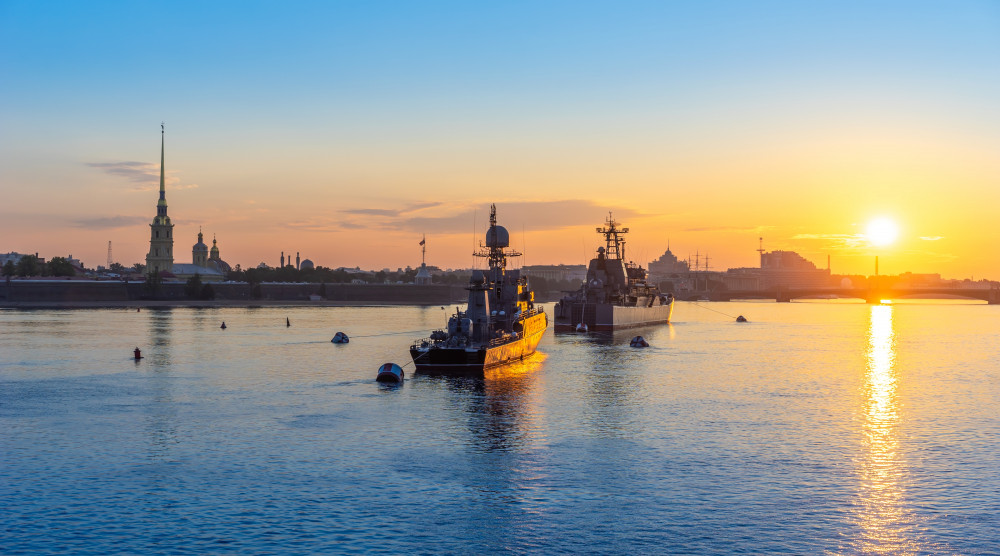 «Парад военных кораблей» - водная прогулка по Неве в день ВМФ - фото №1