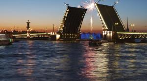 Ночная автобусная обзорная экскурсия по Санкт-Петербургу на английском языке - уменьшенная копия фото №2