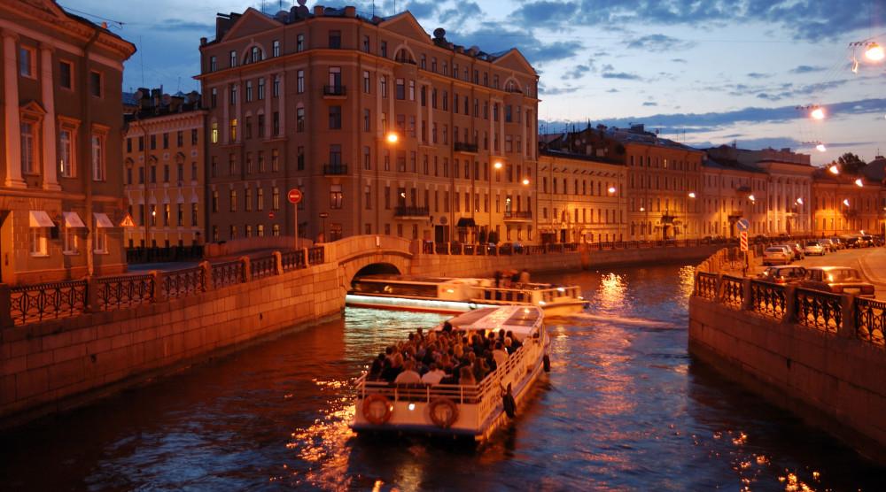 Anglotourismo Night - ночная водная экскурсия по Санкт-Петербургу на английском языке - фото №1