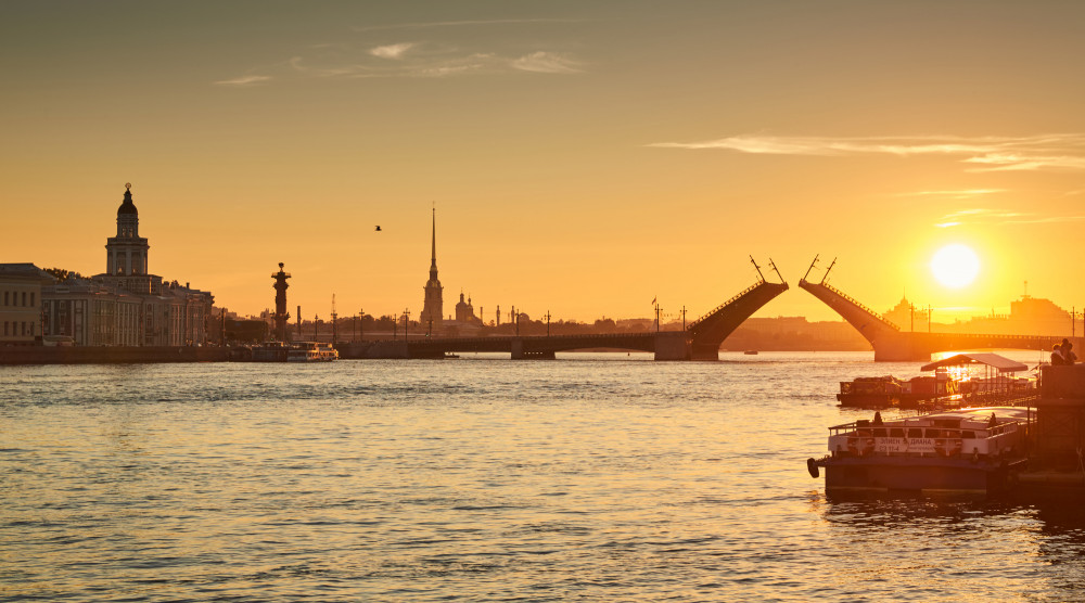 Романтика разводных мостов - музыкальная ночная водная прогулка - фото №1