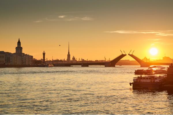 Романтика разводных мостов - музыкальная ночная водная прогулка  – фото для каталога