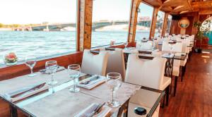 «Парад военных кораблей» - водная прогулка в день ВМФ на теплоходе-ресторане - уменьшенная копия фото №4